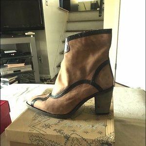 Boot winding road heel